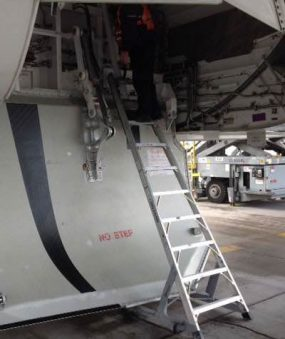 10' Gear & Wheel Well Cadet Ladder in action on a Boeing 787