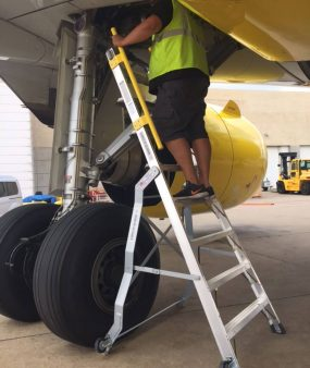 8 Foot Lnc Pylon 320 In Gear Well Of Airbus A320