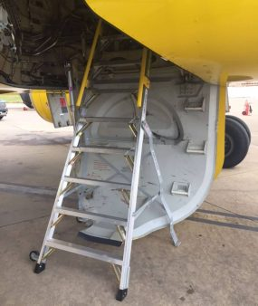 8 Foot Lnc Pylon 320 In Wheel Well Of Airbus A320