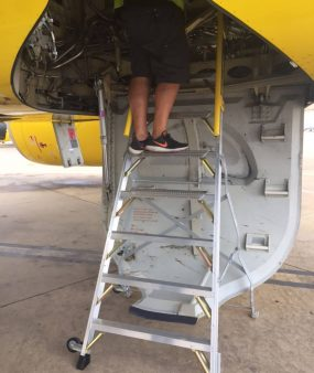 8 Foot Lnc Pylon 320 With Tech In Wheel Well Of Airbus A320