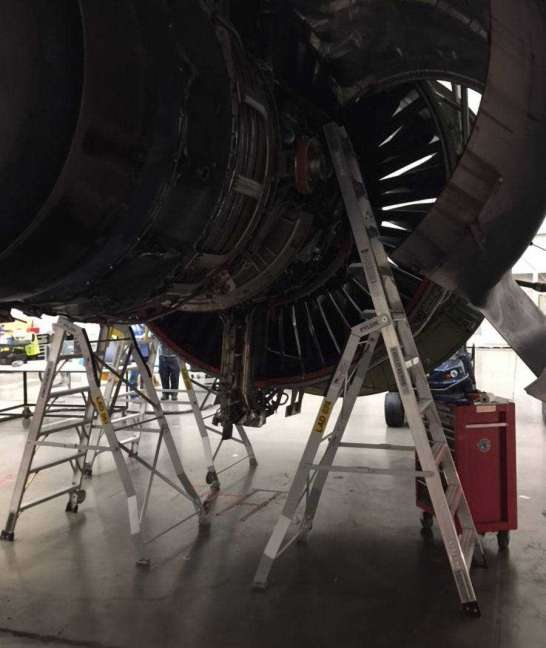 10' LNC Pylon Engine Ladder on Boeing 777