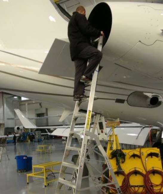 11' LNC Pylon Engine Ladder with technician servicing engine of Gulfstream V Jet