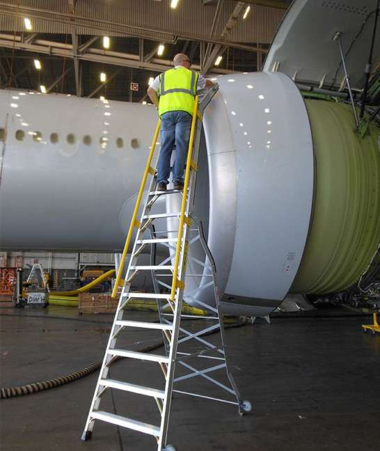 15' Cowl Pylon Ladder on Boeing 777 engine front