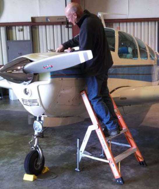 4' LNC Lite Fiberglass Ladder with V35 Bonanza