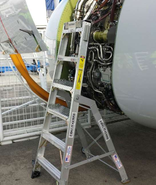 6' LNC Pylon Engine Ladder on Boeing 737 engine