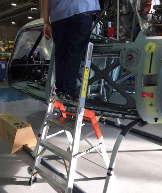 6' LNC Pylon Engine Ladder with helicopter