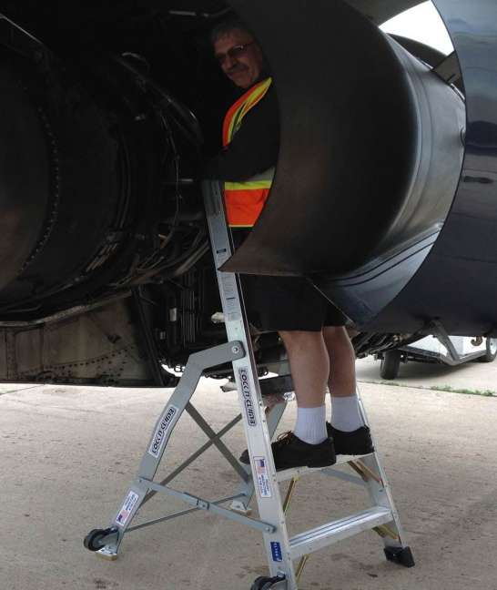 6' LNC Pylon Engine Ladder with Airbus A320