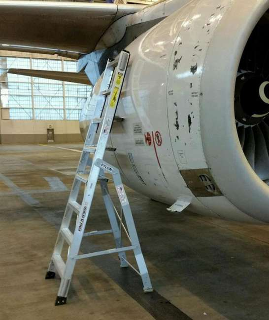 8' LNC Pylon Engine Ladder with an Airbus A320