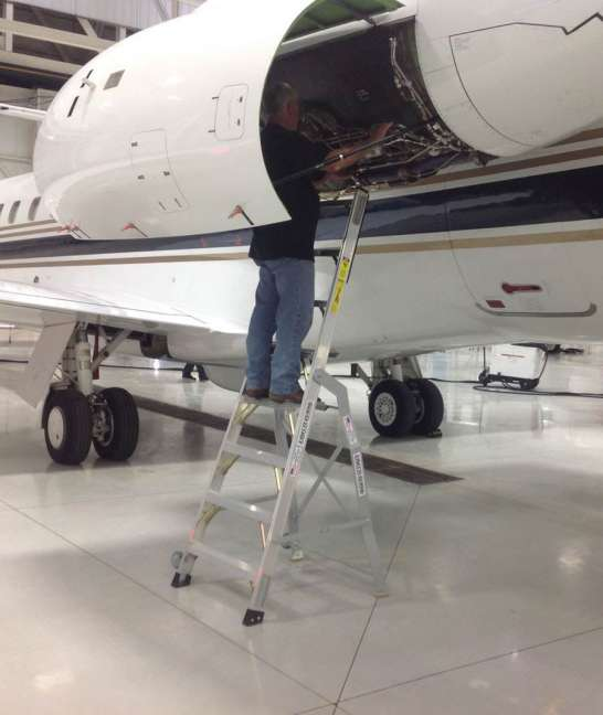 8' LNC Pylon Engine Ladder in Embraer Legacy 450 engine
