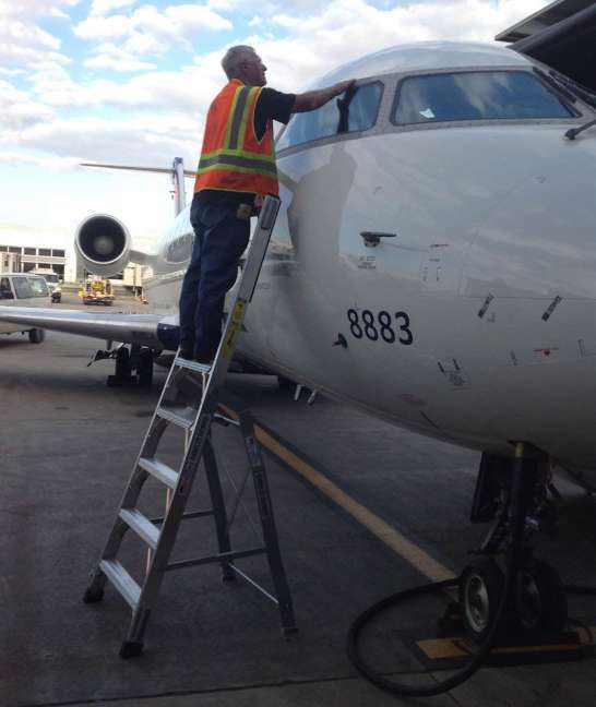 8' LNC Pylon Engine Ladder with Bombardier CRJ on windshield
