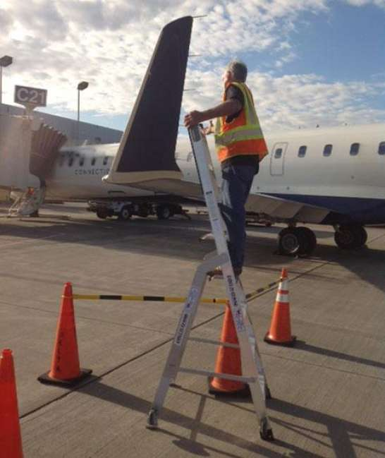 9' LNC Pylon Engine Ladder on wing of Bombardier CRJ