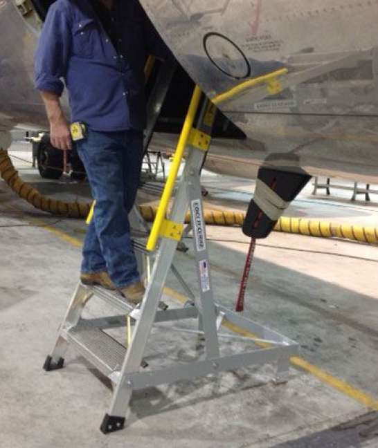 6' Forward Entry on Boeing 737 with technician examining