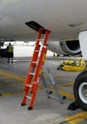 E&E Lite Ergonomic Safety Ladder with Boeing 787